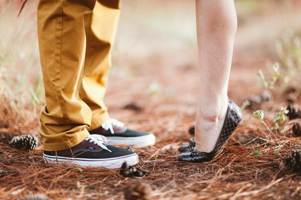 uomo e donna innamorati